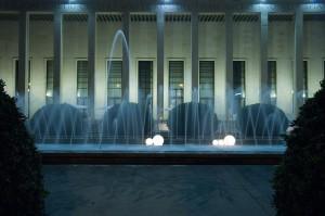 Il Salone delle Fontane illuminato - Roma Eur.