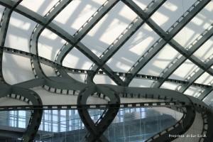 Il telo della Nuvola disposto sui piatti pantografati (Nuovo Centro Congressi di Roma) [Immagine di proprietà di EUR SpA - foto arch. Isabella Mundula].